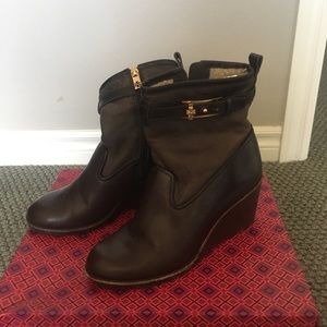Tory Burch Sherpa lined wedge boots size 8.5m